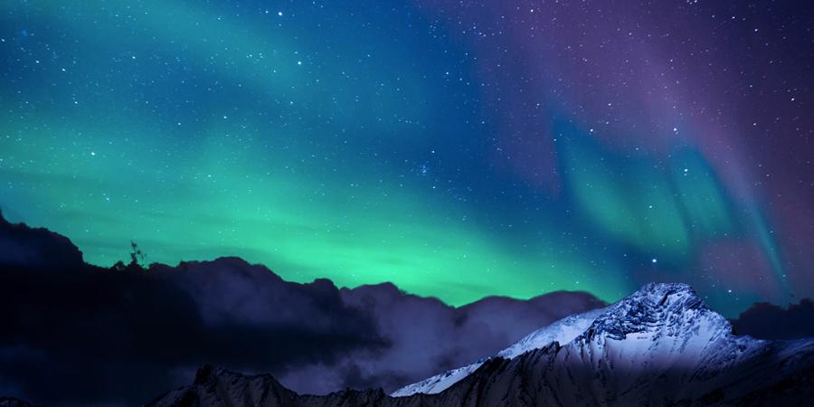 Auroras boreales en el cielo